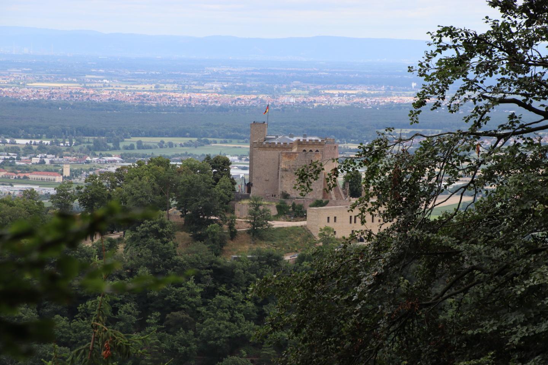 Hambacher Schloss und Hohe Loog